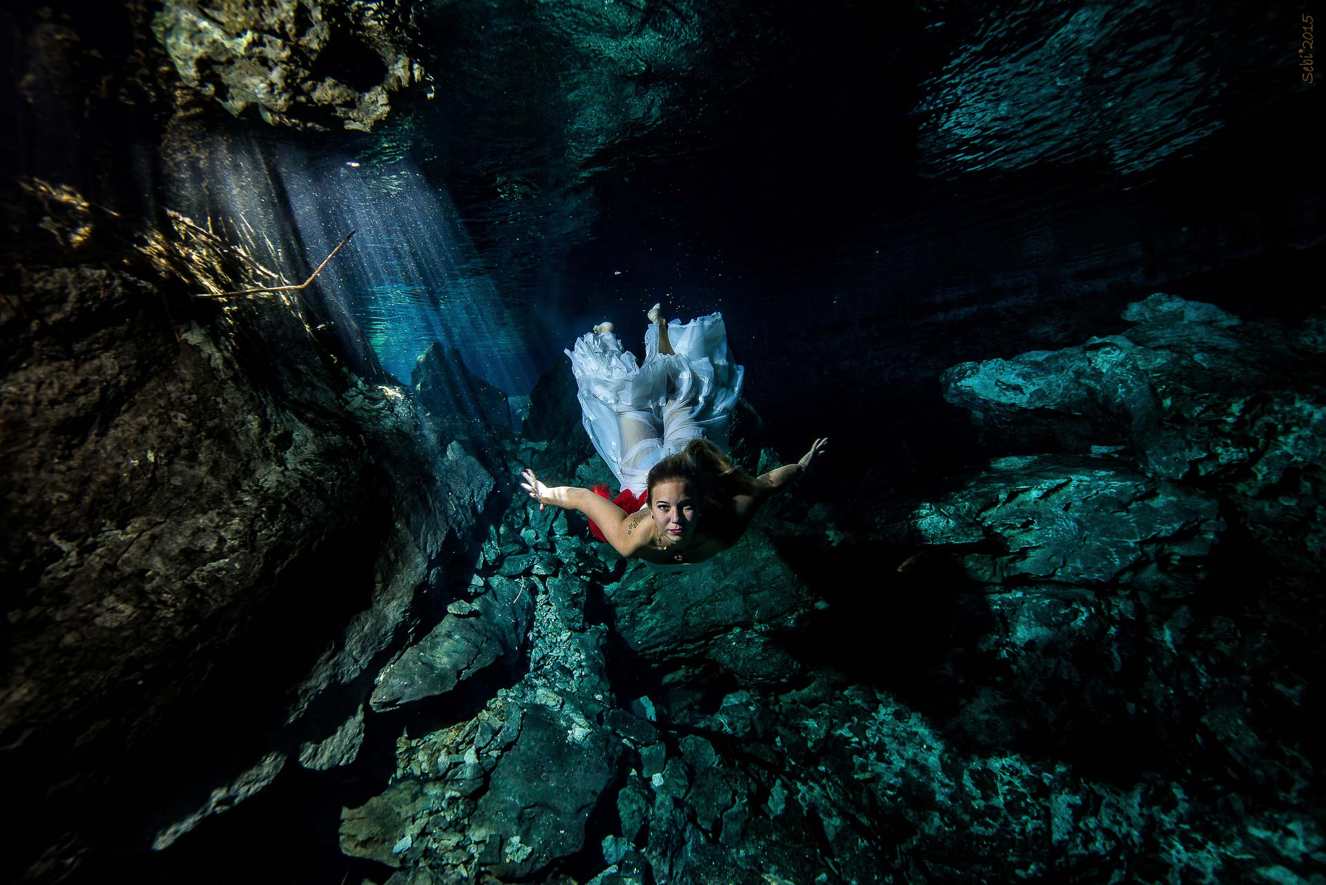 Cenote Underwater modelling Anaa 1 of 1