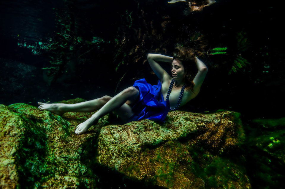 Christelle - Canadian Model - Underwater Nude