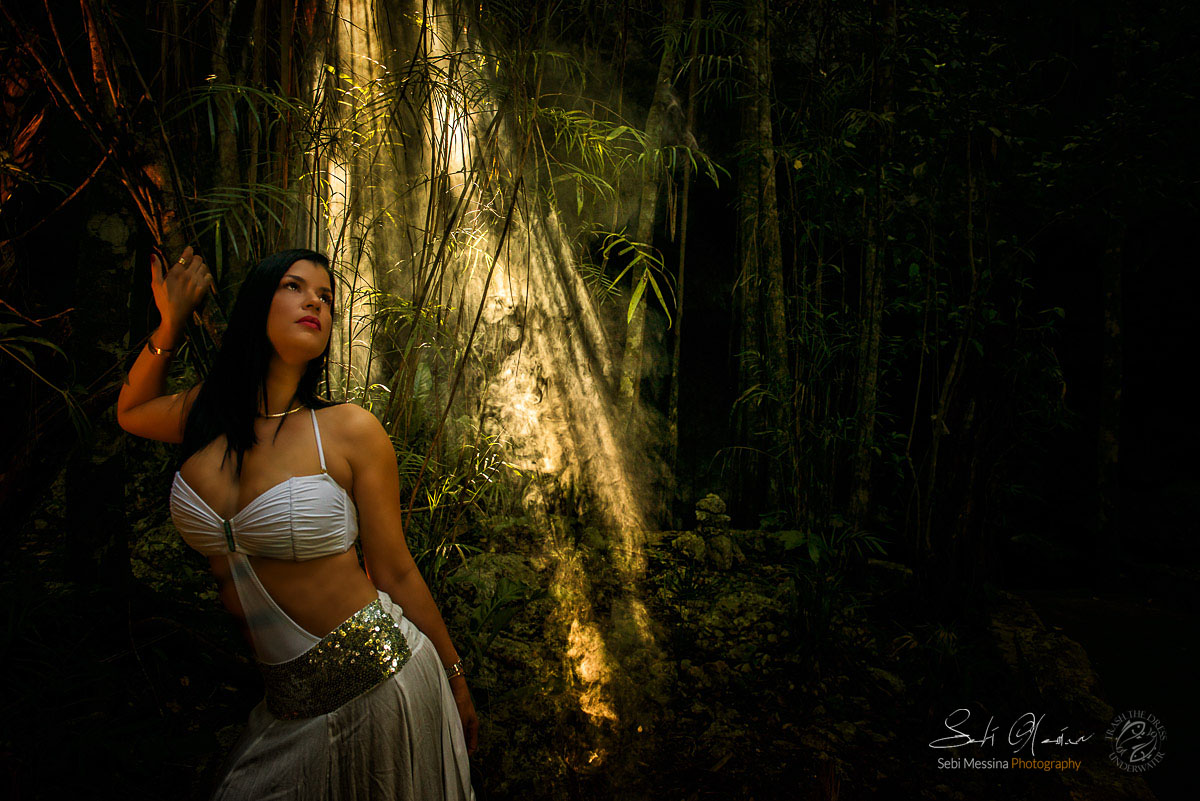 Modelling in a Mexican Cenote - Sebi Messina Photograhy